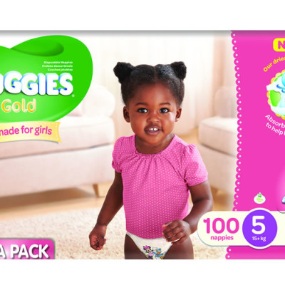 Huggies Megabox Girl Size 5 100's & Wipes